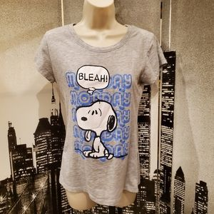 Peanuts juniors size Large grey Snoopy tee